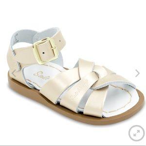 The original salt water sandal in gold